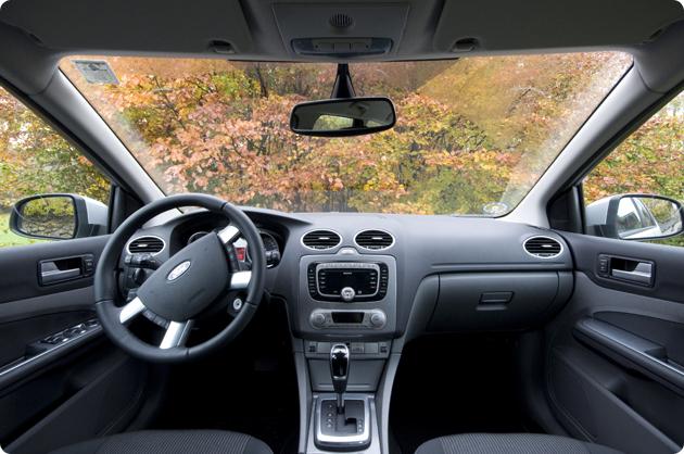 Ford Focus indefra
